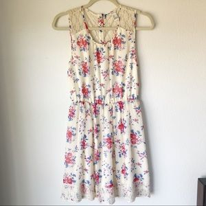 White floral dress size Medium, forever 21